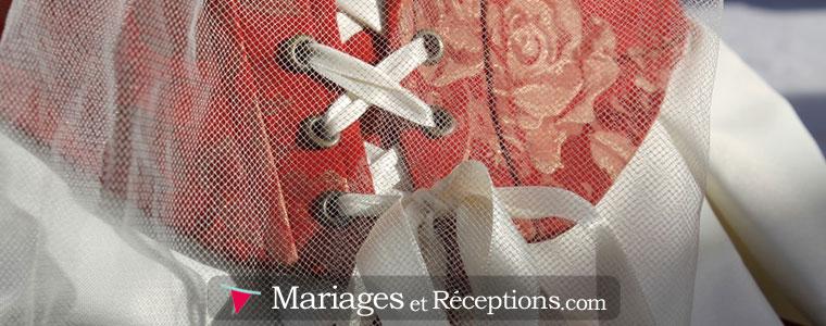 Les robes de mariage à corset et bustier sont tendances et apportent un stye ultra glamour évident...
