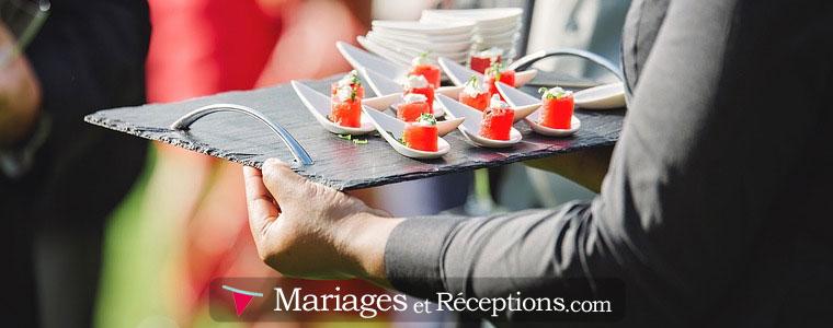 Repas de mariage : Sans nul doute le plus traditionnel des dîners de mariage, mais aussi le plus chic.