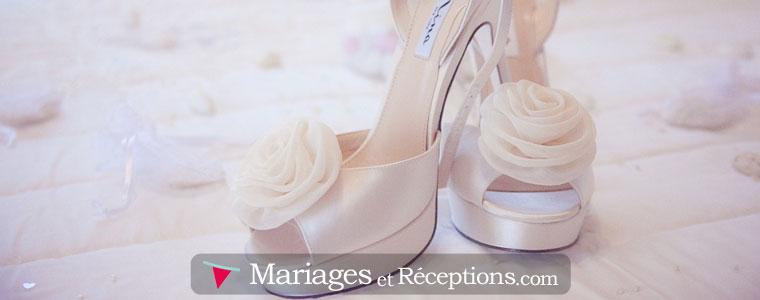 Les loueurs de robe de mariage proposent une large gamme de robes, dans de multiples tailles, styles et matières ainsi que de nombreux accessoires qui vont avec