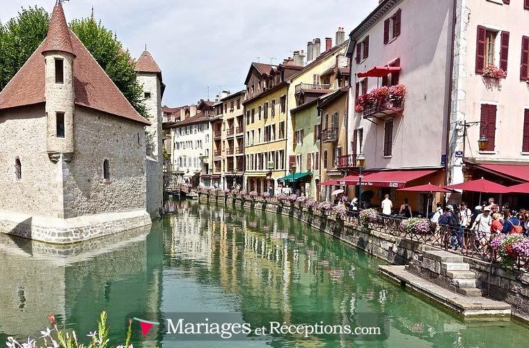 Trouver un organisateur de mariage pour son mariage à Annecy